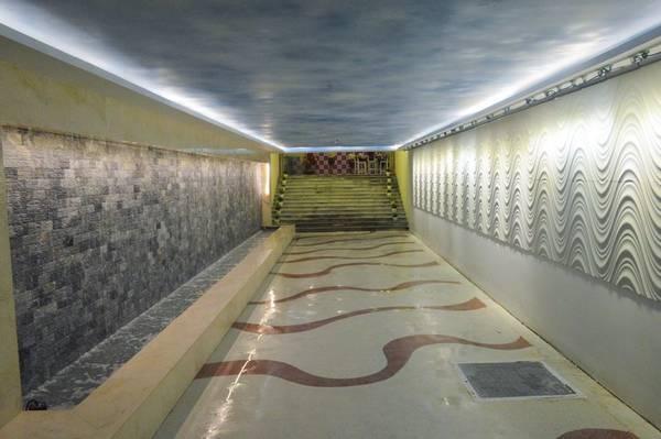 Cận cảnh vẻ đẹp đường hầm thông ra bãi biển đầu tiên tại Đà Nẵng - iVIVU.com