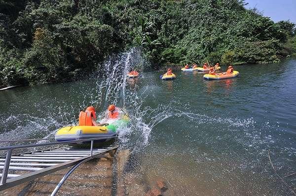 Trượt thác Hòa Phú Thành - phong vị mới cho chuyến chu du Đà Nẵng